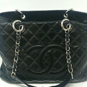 Auth CHANEL Caviar Grand Shopping Tote